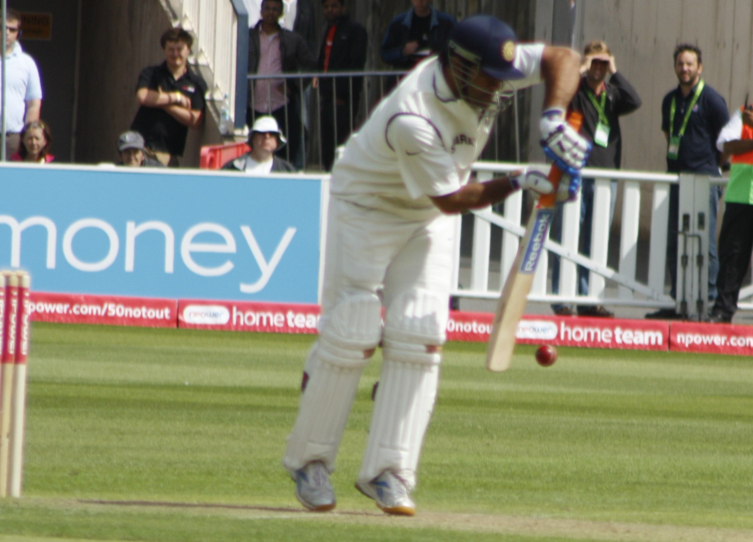 Dhoni batting in England